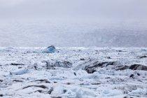 Island, jokurlsarlon, Gletschersee mit Gletschereis — Stockfoto