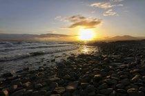 UK, Scotland, Isle of Skye, sunrise at the coast — Stock Photo