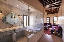Morocco, Fes, bath in a suite of Hotel Riad Fes indoors — Stock Photo