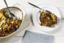 Moussaka vegetariano con melanzane, patate e lenticchie — Foto stock