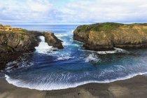 USA, Kalifornien, mendocino Landzungen State Park, mendocino, Pazifikküste, Blick auf Felsbogen — Stockfoto