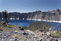 Estados Unidos, Oregon, Crater Lake National Park, lago del cráter - foto de stock