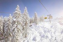 Австрія, Зальцбург держави, область Hochkoenig у зимовий період лижний підйомник над сніг — стокове фото