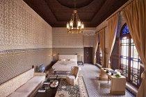 Марокко, Феса, салон біля готелю Riad Fes в приміщенні — стокове фото