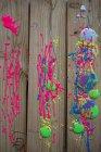 Flüssige Farbe auf Holz, Kinder zeichnen — Stockfoto