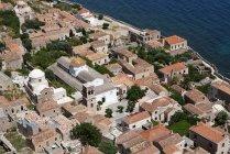 Греція, Монемвасія, townscape проти води денний час — стокове фото