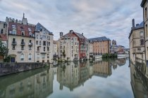 France, Lorraine, Metz, Houses at Canal during daytime — Stock Photo