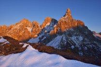 Италия, Трентино, Доломиты, Пассо Ролле, горные группы Пале ди Сан Мартино с Cimon della Pala — стоковое фото