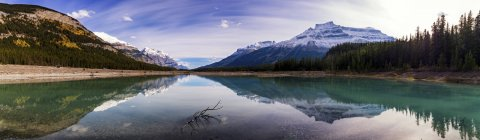 Canada, Alberty, Parc National Jasper, eau de cristal du lac — Photo de stock