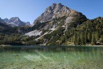 Австрия, Тироль, Эрвальд, Зебензе осенью — стоковое фото