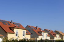 Germany, North Rhine-Westphalia, Cologne, row of twin houses — Stock Photo