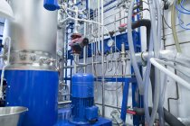 Sala técnica com um fermentador — Fotografia de Stock