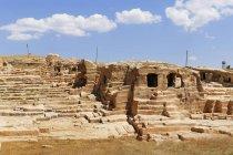 Turquie, Anatolie, Anatolie du Sud-Est, Province de Mardin, Oguz, Dara, Nécropole contre le ciel — Photo de stock