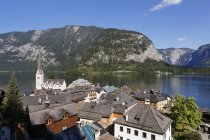 Austria, Salzkammergut, Hallstatt wit Lake Hallstatt  during daytime — Stock Photo