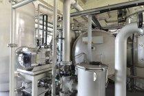 Prozess engineering Maschine in einer Fabrikhalle — Stockfoto