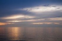 Словения, Истрия, словенское Приморье, Izola, Адриатическом побережье на закате — стоковое фото