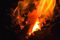 Messer-Werkstück in Schmied Feuer — Stockfoto