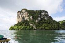 Thailand, Koh Yao Noi, Laem Sak, Felsformation im Andaman Meer tagsüber — Stockfoto