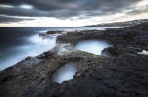 Spain, Canary Islands, Gran Canaria, El Bufadero seascape in moody weather — Stock Photo