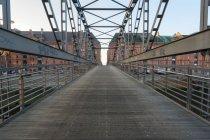 Німеччина, Гамбург, Kibbelsteg, мосту в на Шпейхерштадтом — стокове фото
