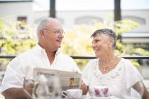 Happy senior couple spending time together — Stock Photo