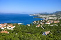 Croatian, Kvarner Bay, View to Adriatic coast and coastal town — Stock Photo
