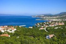 Kroatisch, Kvarner Bucht, Blick auf die Adria-Küste und Küstenstadt — Stockfoto