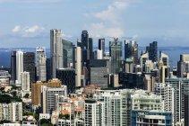 Veduta aerea del paesaggio urbano di Singapore con grattacieli — Foto stock