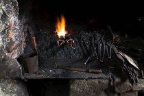 Deutschland, Bayern, Josefsthal, forge mit dem Feuer am historischen Schmiede — Stockfoto