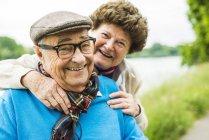 Ritratto di coppia anziana felice — Foto stock