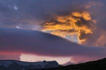 Österreich, Niederösterreich, Wiener Alpen unter Wolken — Stockfoto