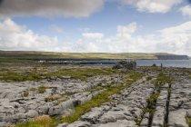 Irland, County Clare, Coastal landscape near Doolin — Stock Photo
