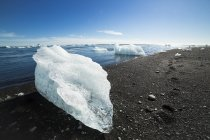 Iceland, Ice in Jokulsarlon glacier lagoon — Stock Photo
