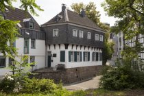 Germany, North Rhine-Westphalia, Muelheim an der Ruhr, Museum Tersteegenhaus in the old town — Stock Photo