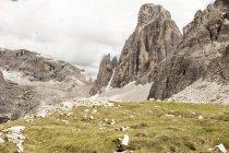 Italia, Alto Adige, Dolomiti, Alta Pusteria, cime delle montagne rocciose — Foto stock