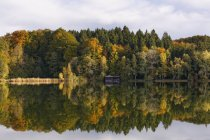 View of Lake Haarsee at daytime, Weilheim, Upper Bavaria, Germany — Stock Photo