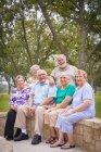 Retrato de idosos na reunião de reunião — Fotografia de Stock