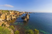 Vista della costa rocciosa — Foto stock