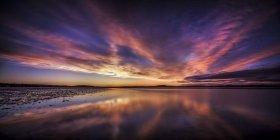 Escocia, Edimburgo, Vista de la playa al atardecer - foto de stock