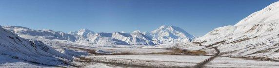 Monte Mckinley en el Parque Nacional de Denali, Alaska, Estados Unidos - foto de stock