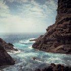 Spain, Canary Islands, La Palma, Poris de Candelaria, Coast and ciff on shore — Stock Photo