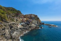 Італія, Лігурія, Ла-Спеція, Чінкве Терре, Manarola, переглянути берегової лінії і с. — стокове фото