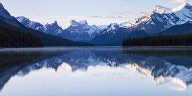 Canada, Alberta, Jasper National Park, montagna Maligne, Lago Maligne — Foto stock