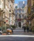 Itália, Sicília, Trapani, Corso Vittorio Emanuele, townhall, Palazzo Senatorio no fundo — Fotografia de Stock