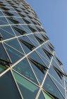 Deutschland, frankfurt, detailaufnahme des westhafenturms tagsüber — Stockfoto