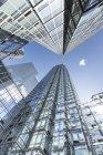 Niedriger Winkel Blick auf Bürogebäude, USA, New York City, manhattan, chelsea — Stockfoto