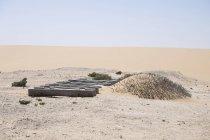 Africa, Namibia, Namib desert, Swakopmund, Dorob National Park, veduta delle traversine ferroviarie nella sabbia del deserto — Foto stock