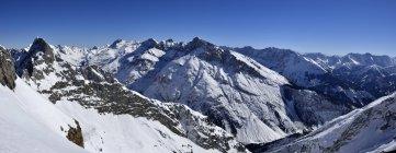 Vue panoramique du massif des Karwendel et les Alpes bavaroises, Bavière, Allemagne — Photo de stock