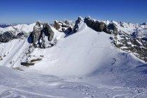 Vue du massif des Karwendel à la lumière du jour, Bavière, Allemagne — Photo de stock
