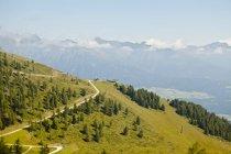 Station de téléphérique de Lungau, Autriche sur falaise pendant la journée — Photo de stock